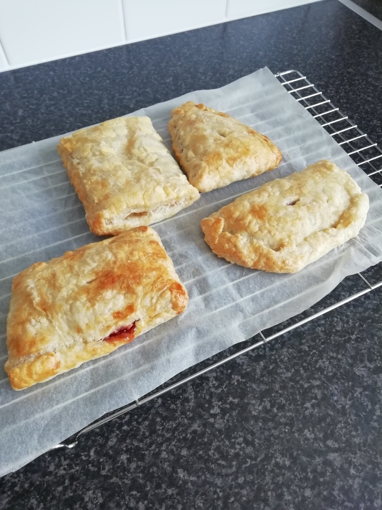 Puff pastry jam pockets